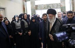 خواهران منصوریان در دیدار با رهبرانقلاب