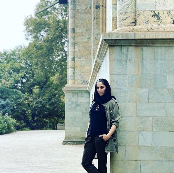 بازیگر همگناه در کاخ سعد آباد + عکس