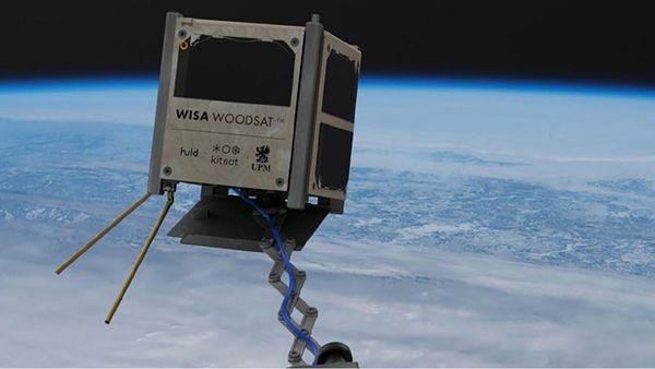 آزمایش اولین ماهواره چوبی در مدار زمین