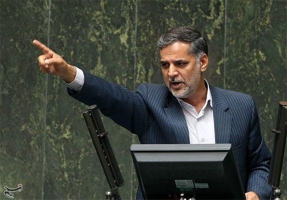گاف بزرگ نماینده پایداری درباره رییسجمهور و نخستوزیر دوران جنگ /منتظری فقیه بود که فاسد شد