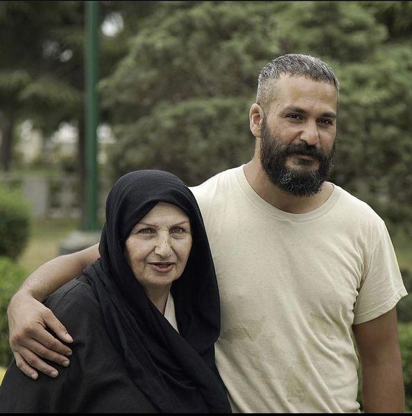 میلاد کی مرام در آغوش مادرش + عکس
