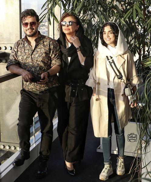 الهه حصاری در کنار زوج مشهور زخم کاری + عکس