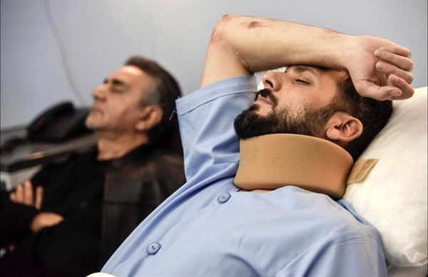 پرویز پرستویی و پسرش روی تخت بیمارستان + عکس
