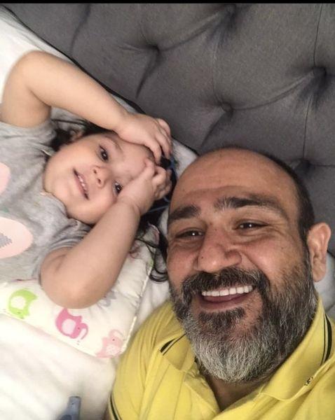 مهران غفوریان و دخترش روی تخت + عکس
