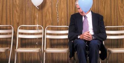 در میهمانی ها چطور کمتر خجالت بکشیم؟