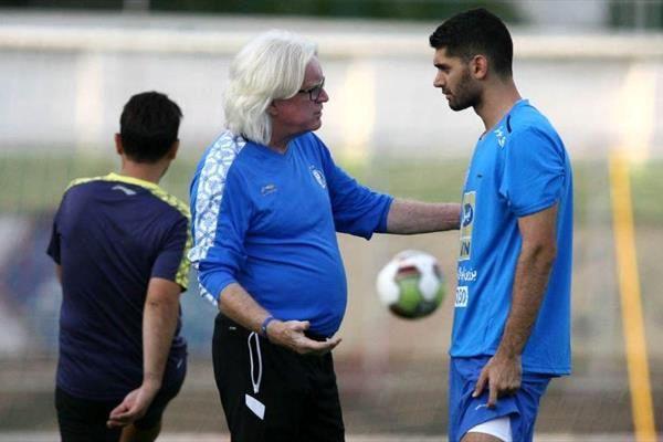 کریمی: من نگفتم باشگاه گفته بازیکنان استقلال اعتصاب کنند