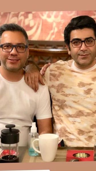 تیپ متفاوت فرزاد حسنی در کنار دوستش + عکس