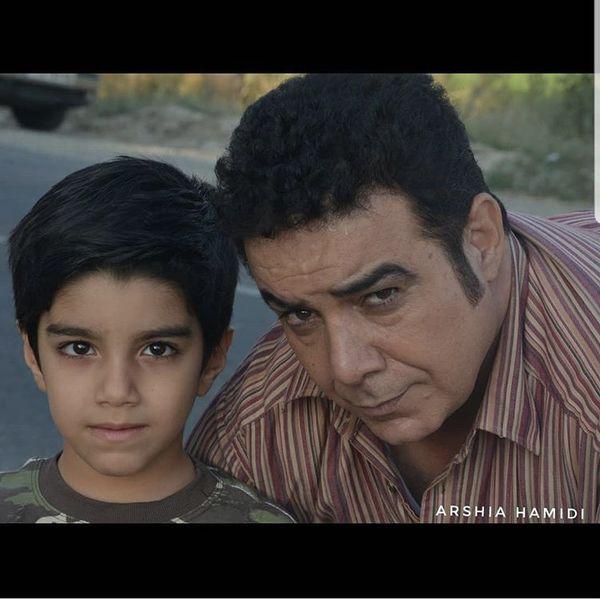 حسن شکوهی ونوه اش + عکس