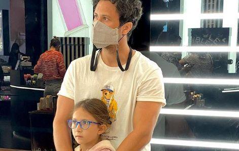 چشم انتظاری شاهرخ استخری برای همسرش + عکس