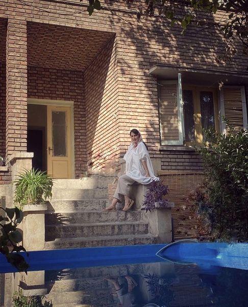 شیدا یوسفی در خانه ای قدیمی + عکس