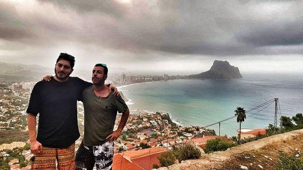 نیما شاهرخ شاهی با شلوارک خاصش در اسپانیا+عکس