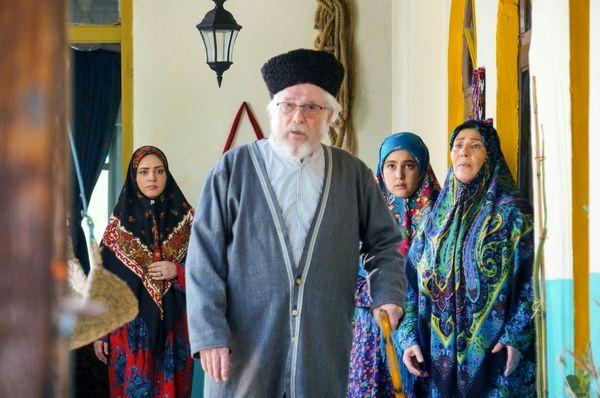 واکنش منوچهر آذر به انتقاد ترکمنها