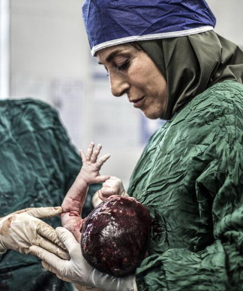 فاطمه معتمد آریا جراح میشود+عکس