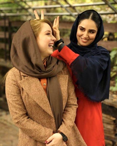 شیطنت های هانیه غلامی با دوستش + عکس