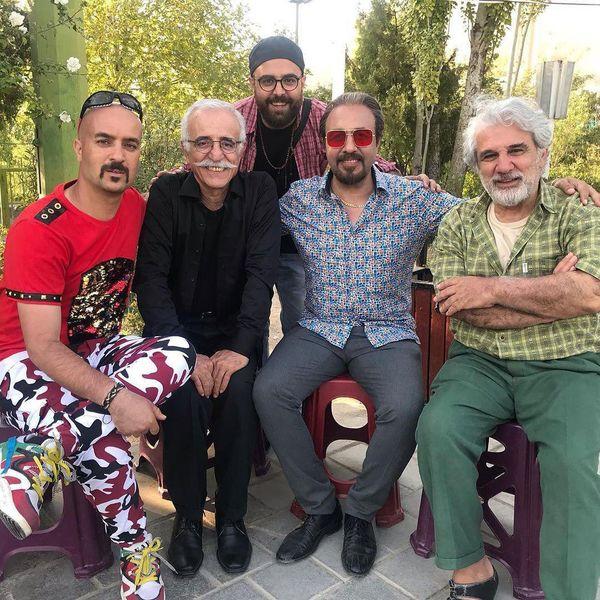 تیپ خفن احمد مهرانفر در کنار بزرگان سینما