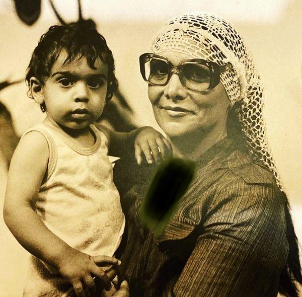 پولاد کیمیایی در آغوش مادرش + عکس