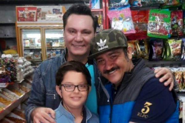 دیدار آقای بازیگر و پسرش با مهران غفوریان در سوپر مارکت + عکس
