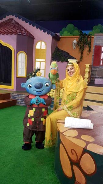 خاله شادونه و عروسکهای بامزه اش + عکس