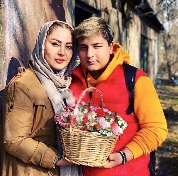 محمدرضا شیرخانلو و مادرش + عکس
