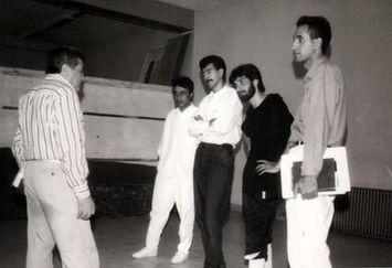 رضا عطاران و حمید فرخنژاد ۲۰ سال قبل کنار حمید سمندریان/عکس