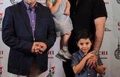 کارگردان مشهور و بچه هایش در کنار بابا پنجعلی + عکس