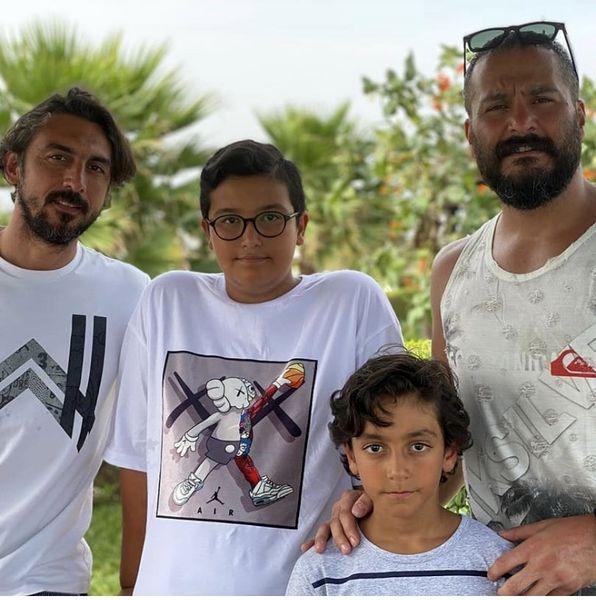 میلاد کیمرام در کنار خانواده رحمتی + عکس