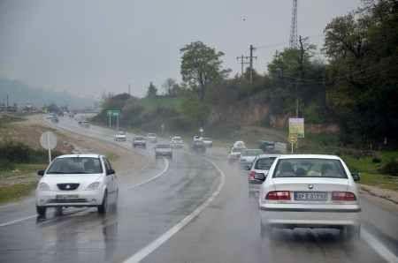 بارش باران در محورهای مواصلاتی 7 استان کشور