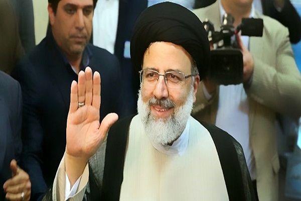 آیتالله رئیسی برای انتخابات ریاست جمهوری ۱۴۰۰ ثبت نام کرد+ فیلم