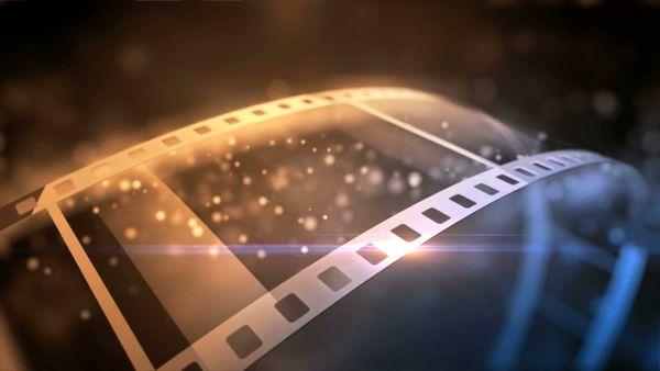 صف طولانی برای تماشای یک فیلم در سال 37+عکس