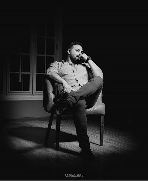 بابک جهانبخش در اتاقی تاریک + عکس