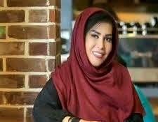 خانم مجری در کنار کمالالملک سینمای ایران/عکس