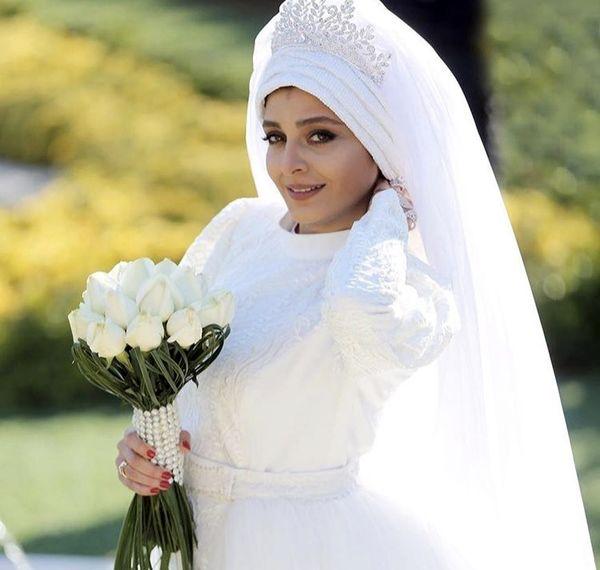 ساره بیات در لباس عروسیش + عکس