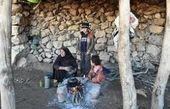 این زن جوان با ۲ فرزندش در کوه زندگی میکنند