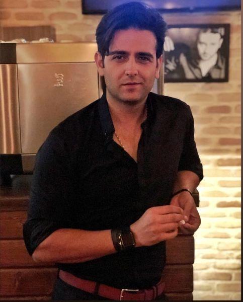 امیر حسین آرمان در خانه شخصیش + عکس