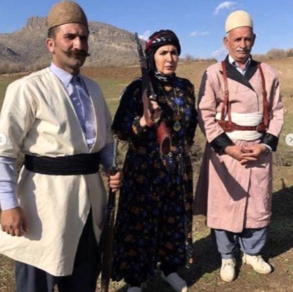 لباس کردی خانم بازیگر + عکس