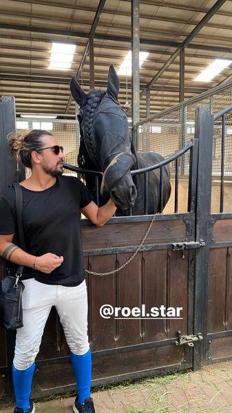 اسب خاص و جذاب خواننده جوان کشور + عکس