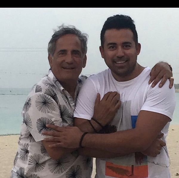مجید مظفری و پسرش لب دریا + عکس