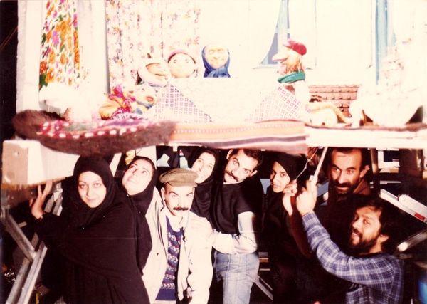 عکس قدیمی  فاطمه معتمد آریا و حسن پورشیرازی در خانه مادربزرگ