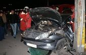 زیر گرفتن یک پلیس پس از تصادف دو خودرو با یکدیگر + فیلم