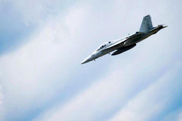 سقوط جنگنده آمریکایی در دریای فیلیپین