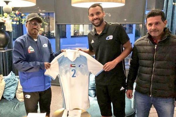 ستاره اسبق استقلال راهی فوتبال امارات شد