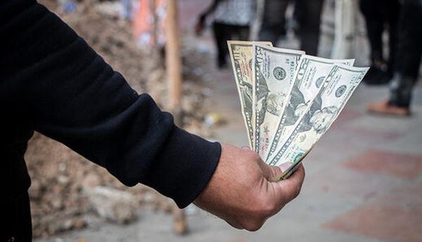 احتمال کاهش قیمت دلار چقدر است؟