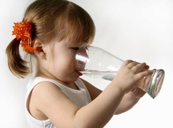 فواید آب گرم در افطار ماه رمضان
