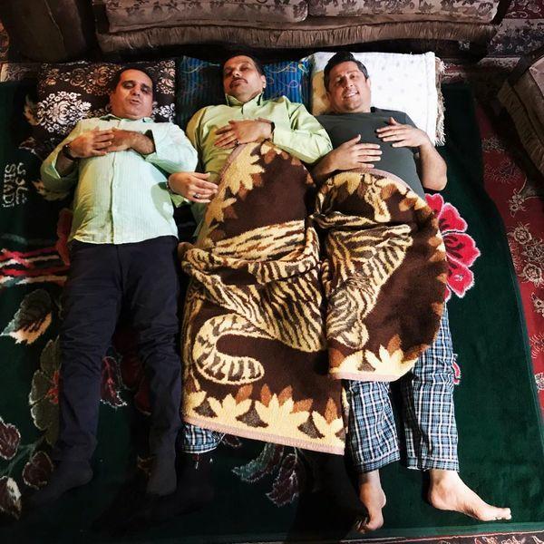 آقایون بازیگر یا لباس های راحتی در رختخواب + عکس