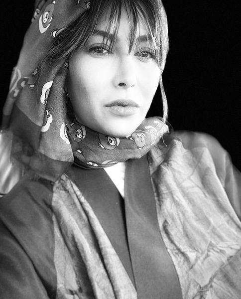 فریبا نادری غرق در سیاهی + عکس