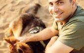 علیرضا طلیسچی و سگش + عکس