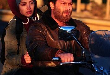 موتورسواری پژمان بازغی با خانم بازیگر+عکس