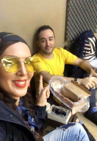 لیلا بلوکات با عینک شیکش در تئاتر+عکس