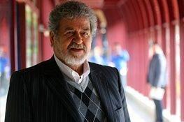 امیر عابدینی: برای رفع ایرادات ورزشگاه آزادی باید چماق بالای سرمان باشد