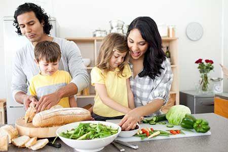 چند نکته برای والدینی که می خواهند با فرزندشان دوست شوند